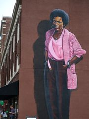 Mari Evans, near Vonnegut's mural